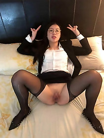 Tatooed Filipina hotwife Webslut Jeff unsheathed And On display