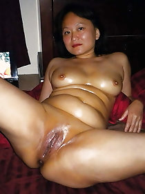 Top-notch oriental bitches are teasing their husbands