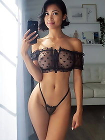 Beautiful Filipina wife Angela from Florida